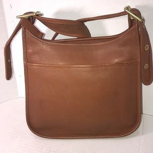Beautiful Vintage Leather Coach Bag